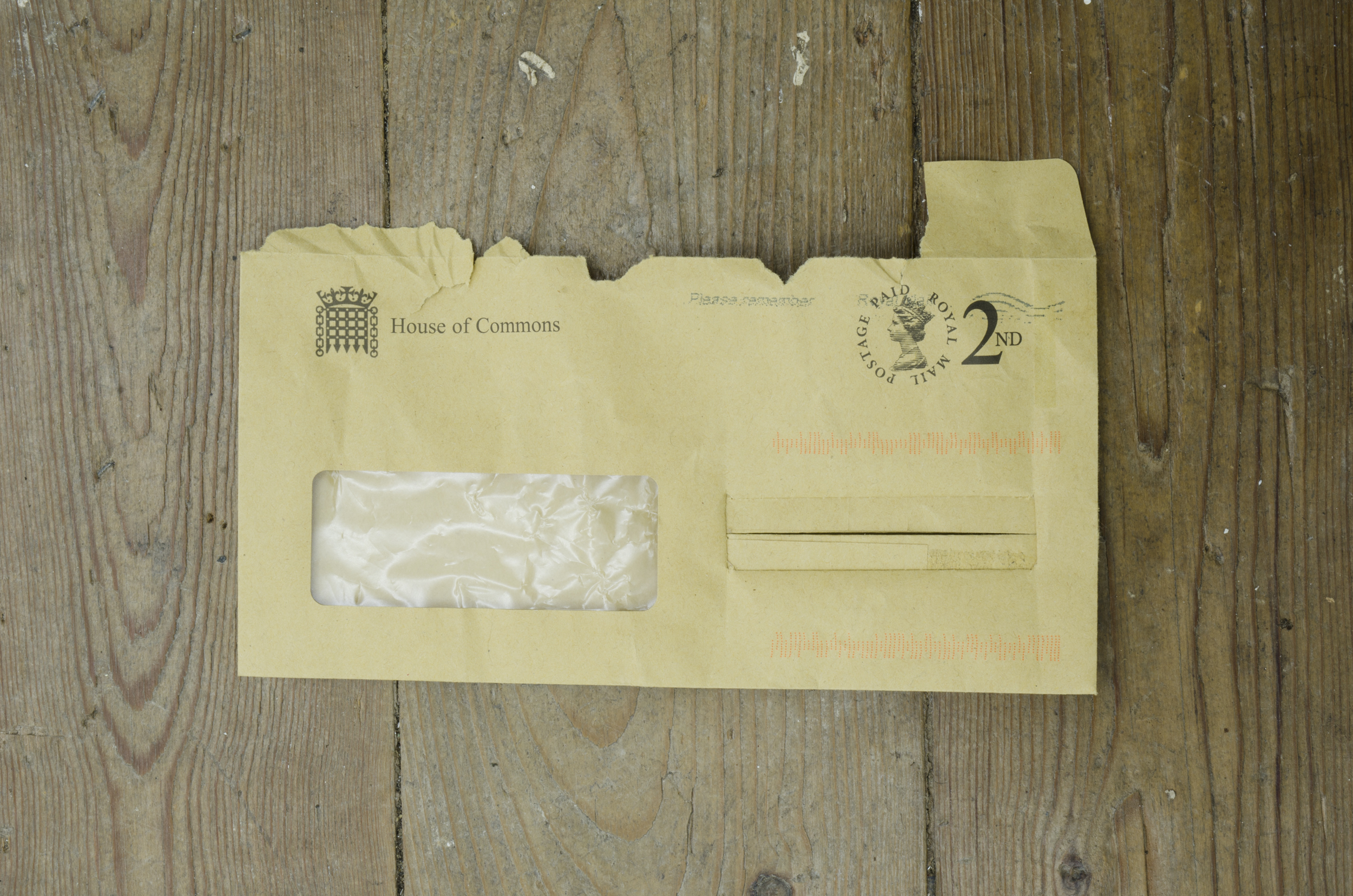 Welt (4)  2017 Found envelopes and thread. 12 x 22 cm