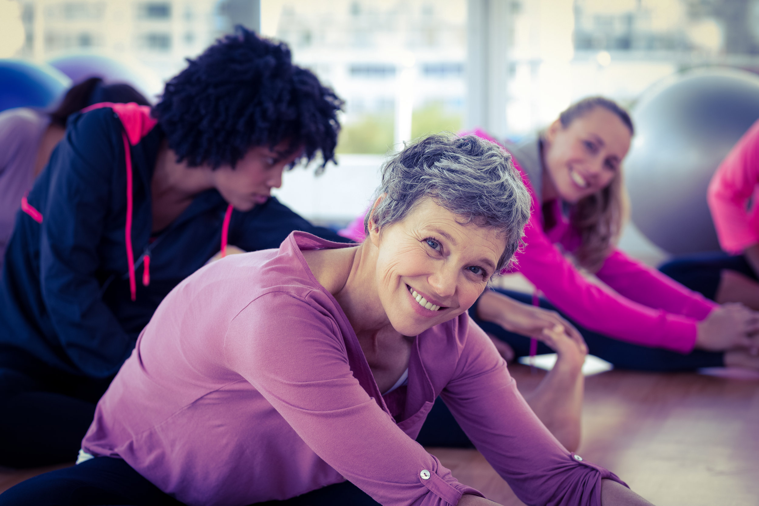 Men & women of all ages come to a class that will help you get rid of chronic pain through alignment based exercises at the Functional Motion Class taught by Stasia and Pain Free Clinic of Denver.