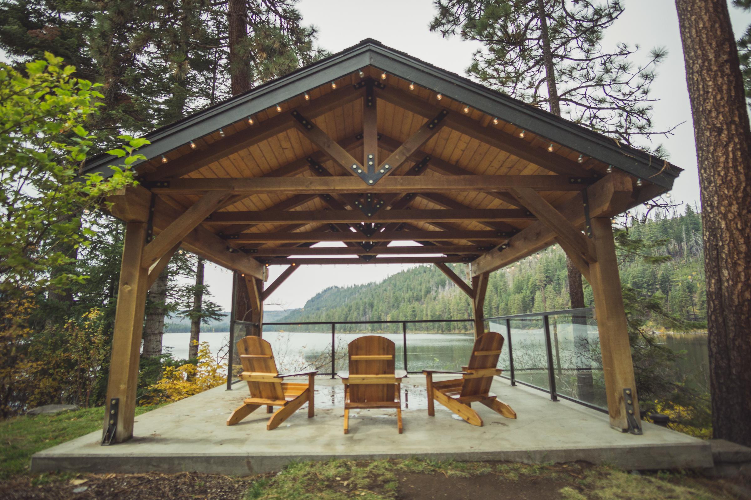 Suttle Lodge © Gabriel Amadeus