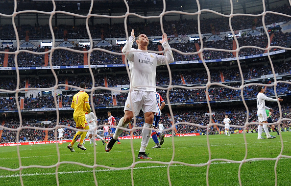This is a scene that Real Madrid fans despise; Cristiano missing a goal. (Photo via Getty Images)
