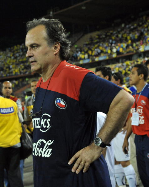 MEDELLIN, COLOMBIA - OCTOBER 10: Marcelo Bielsa headcoach of Chile celebrates victory over Colombia after their FIFA World Cup South Africa-2010 South American qualifier football match at Atanasio Girardot Stadium on October 10, 2009 in Medellin, Colombia. (Photo by Gal Schweizer/LatinContent/Getty Images)