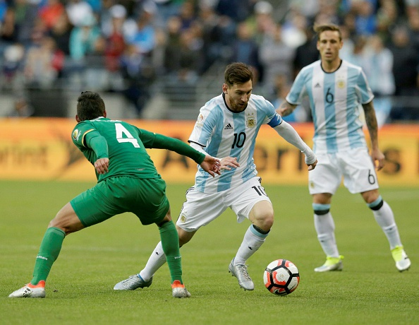 USMNT will have a tough time against Argentina regardless of whether Messi plays. (Photo by JASON REDMOND/AFP/Getty Images)