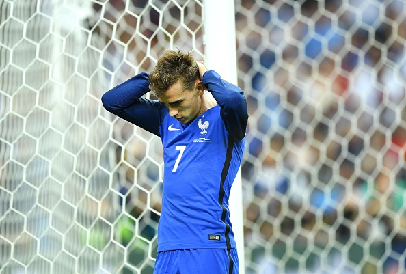 Griezmann just couldn't do it this time.   (Photo by Mustafa Yalcin/Anadolu Agency/Getty Images)
