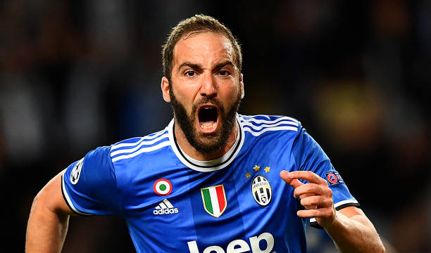 Mbappé's night shadowed by a stubborn Higuaín as Juventus look to conquer Europe
