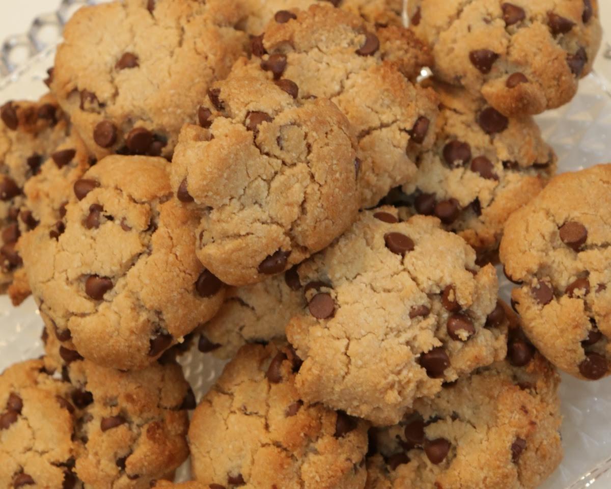 Almond Flour Choco-Chip Cookies