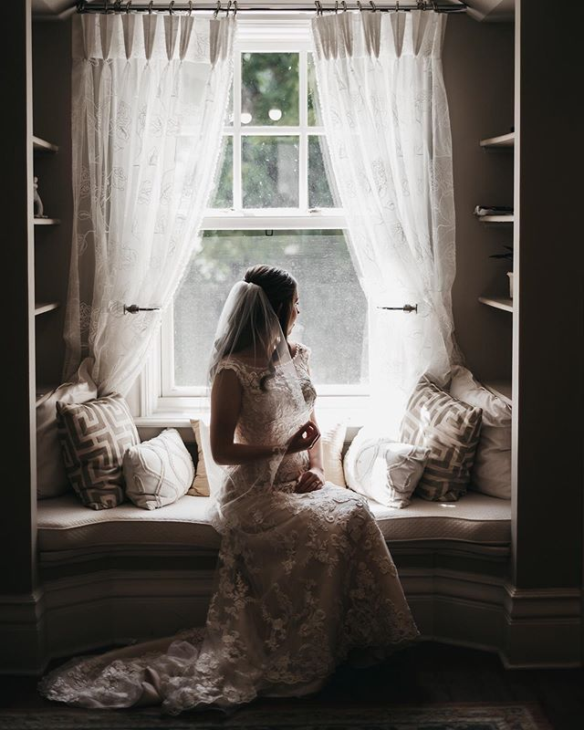 Classic. Gillian was the most beautiful bride, and right before some family photos we just took a few moments for some portraits and the outcome was this. Magical. I love giving my bride and groom time to just be since often your wedding day is so busy. Did you get time alone at your wedding?⠀ -⠀ -⠀ -⠀ -⠀ #weddinginspiration #weddingstyle #realwedding #canadianwedding #torontobride #canadianbride #everywedding #ruffledblog #featuremeoncewed #meaningfulwedding #theknot #theweddingpic #thedailywedding #huffpostido #besnapinspired #muchlove_ig #lookslikefilmweddings #lookslikefilm #ontarioweddings #ontariobridefeature #ygkphotographer #darlingmoments #radstorytellers #elopementphotographer #lblcollective #belovedstories #loveandwildhearts #pecweddingphotographer #weddingcanadafeature #dirtybootsandmessyhair