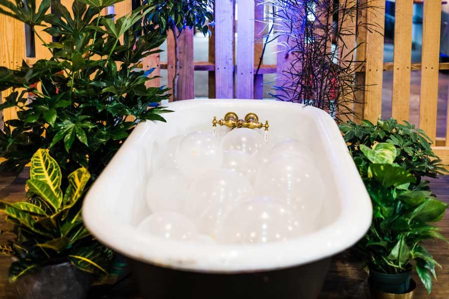 Bathtub-Set-Photo-Booth.jpg