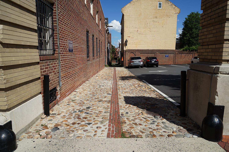 Swift Alley at Fairfax St.