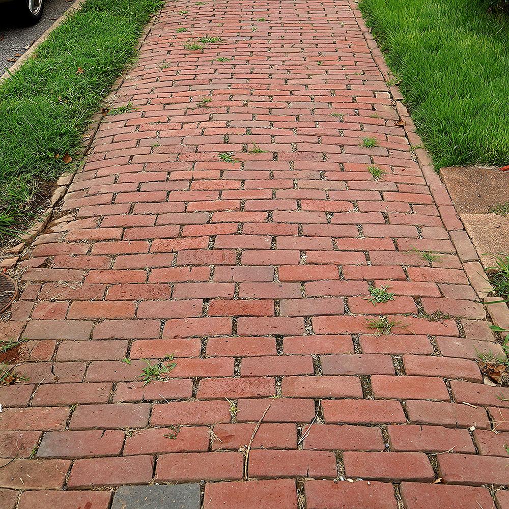 DSC01877_Roanoke_sidewalk_red brick_square.jpg