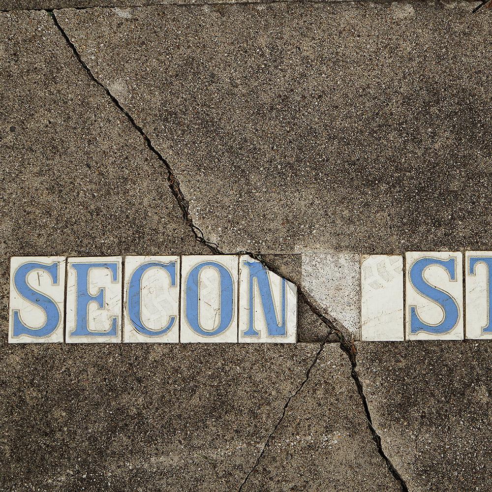 DSC01882_Roanoke_embedded signage_square.jpg
