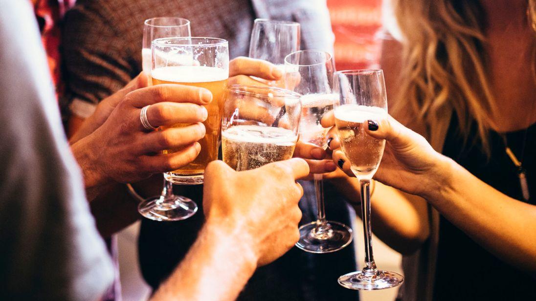 wine-beer-drinking-sky-news_4281255.jpg