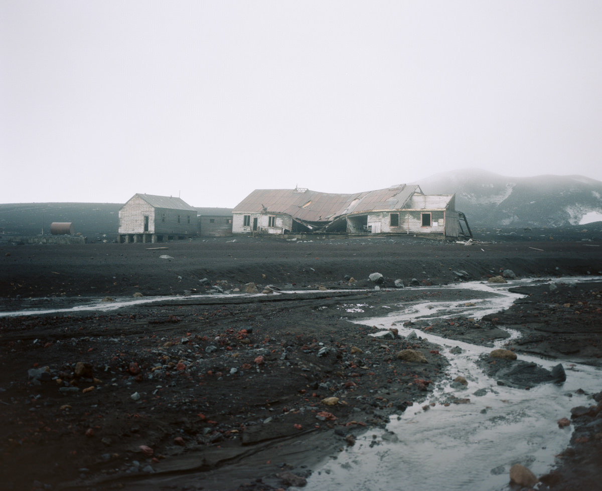 deception-island-mamiya-7-ii-wrenee-5.jpg