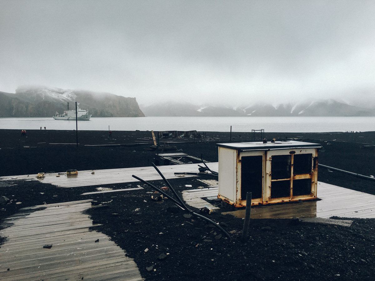 deception-island-wrenee-4.jpg