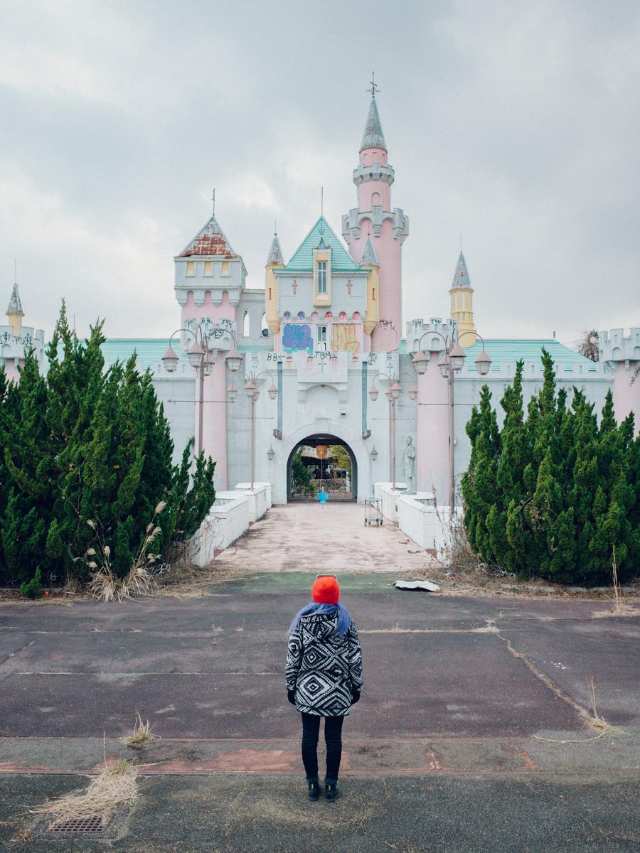 wrenee-nara-dreamland-abandoned-amusement-park-japan-19.jpg