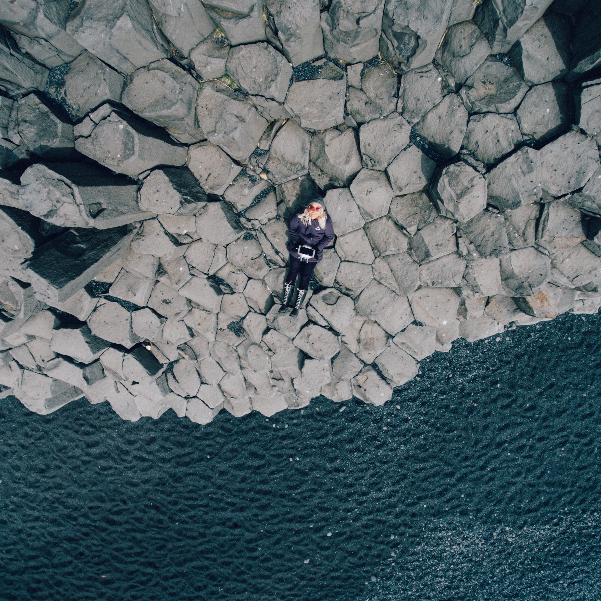 wrenee-iceland-part-1-35-vik-beach-drone.jpg