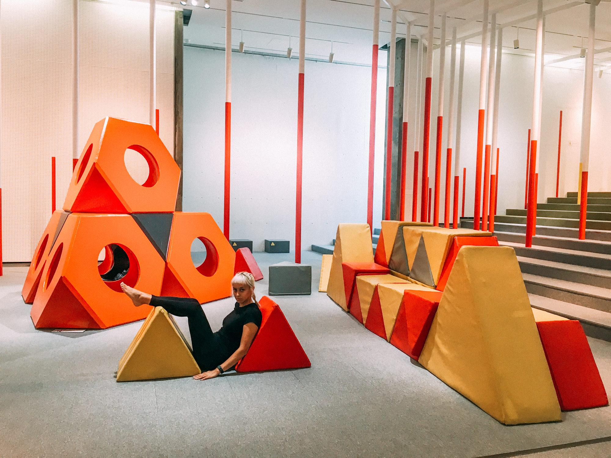Zig-Zag △ (triangular)World:shape art based on the work of Isamu Noguchi