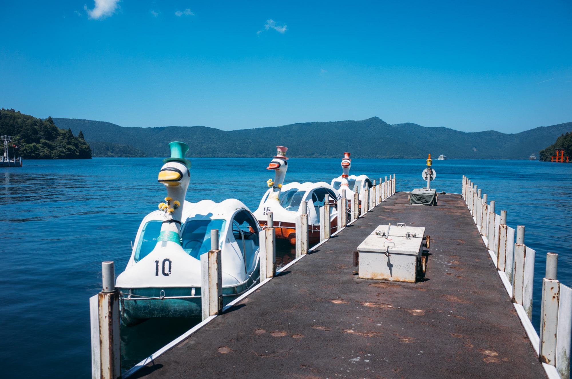 wrenee-hakone-japan-lake-ashi-swan-boats-16.jpg