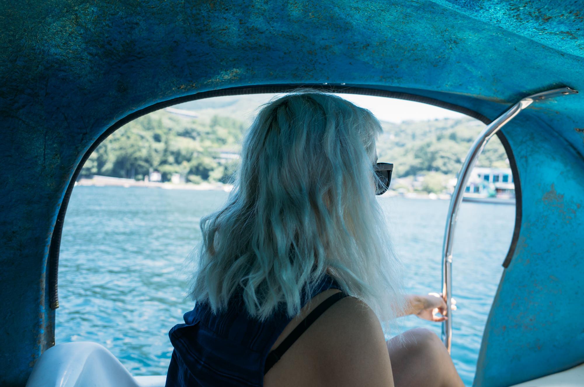 wrenee-hakone-japan-lake-ashi-swan-boats-13.jpg