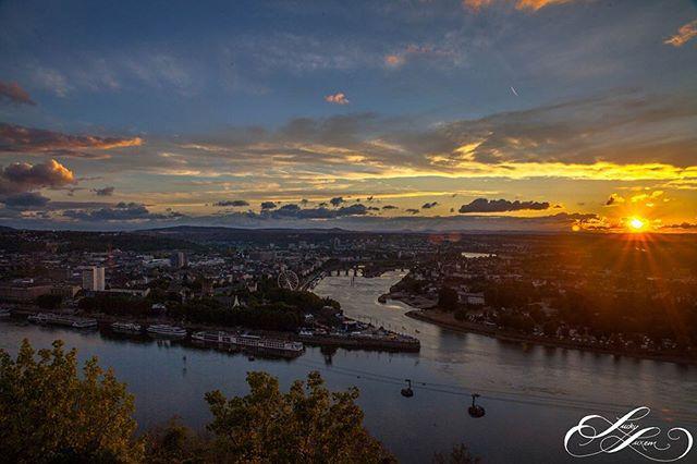 Einen wunderschönen Guten Morgen aus #Koblenz #festungeherenbreitstein mal wieder ein Hammer Bild unseres Fotografen @luckyluxem  #deutschland #deutscheseck  momentan haben wir wieder einige neue Webseiten Projekte in Konlenz am Start. #webdesignkoblenz #panorama #wahnsinnsfoto #Bonn #köln #Rhein #rhine #sonnenaufgang #koblenztouristik #koblenzcity #webdesignagentur #digitalekunst #koblenzistbunt #koblenzfotografie #visitkoblenz #landscape #landscapephotography #landschaftsfotografie #farbendernatur