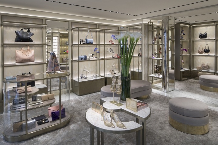 Jimmy-Choo-Rue-St-Honore-store-by-Christian-Lahoude-Studio-Paris-France.jpg