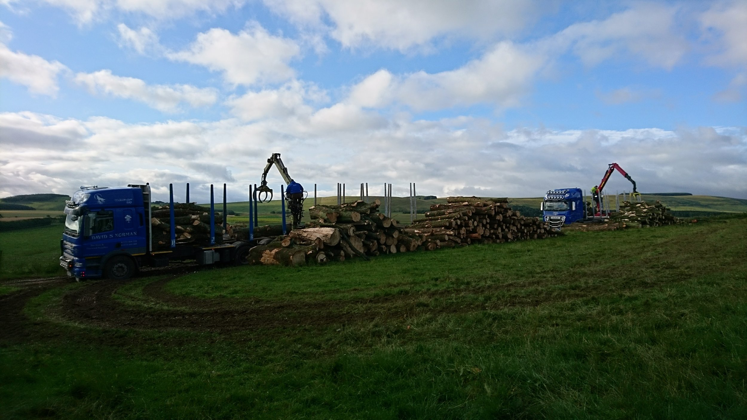 TIMBER UPLIFT BY TWO WAGON & DRAG UNITS