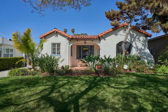 3027 Oakhurst Ave Los Angeles-small-002-28-02-666x445-72dpi.jpg