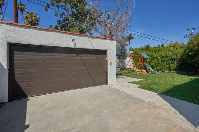3027 Oakhurst Ave Los Angeles-small-029-10-29-666x445-72dpi.jpg