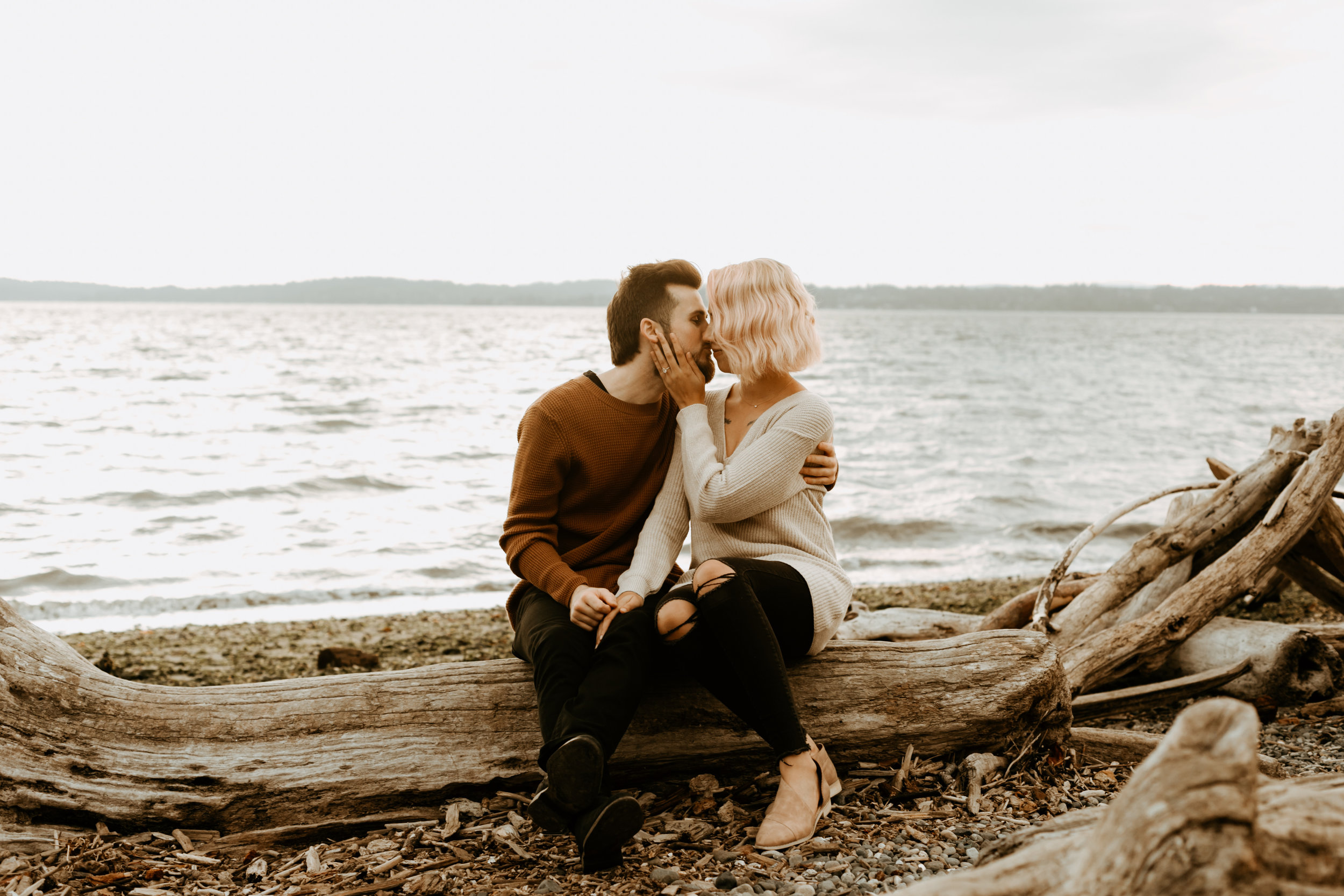 Seattle engagement photos at Discovery Park   Engagements