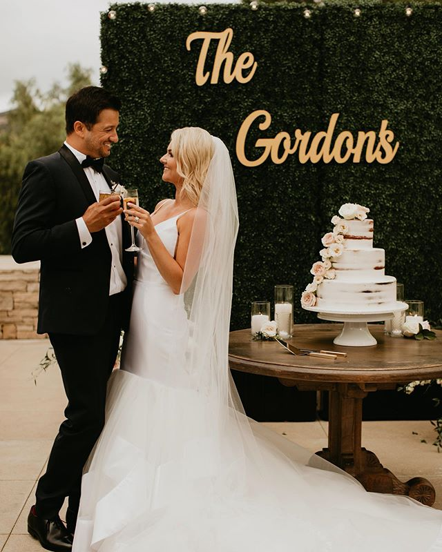 Cheers to the Gordons! What an incredible couple and amazing day! Congrats to Tatum and Robin! ✨  Venue: @shadycanyongolfclub  Dress: @misshayleypaige @blushbyhayleypaige  Planning/ coordination @treschicaffairs  Hair: @hairbykayti Makeup: @makeupbykamielea  Video: @brettlorenzfilms  Florals: @modernbouquet  Rentals: @sigpartyrentals  Cake: @itsallaboutcake