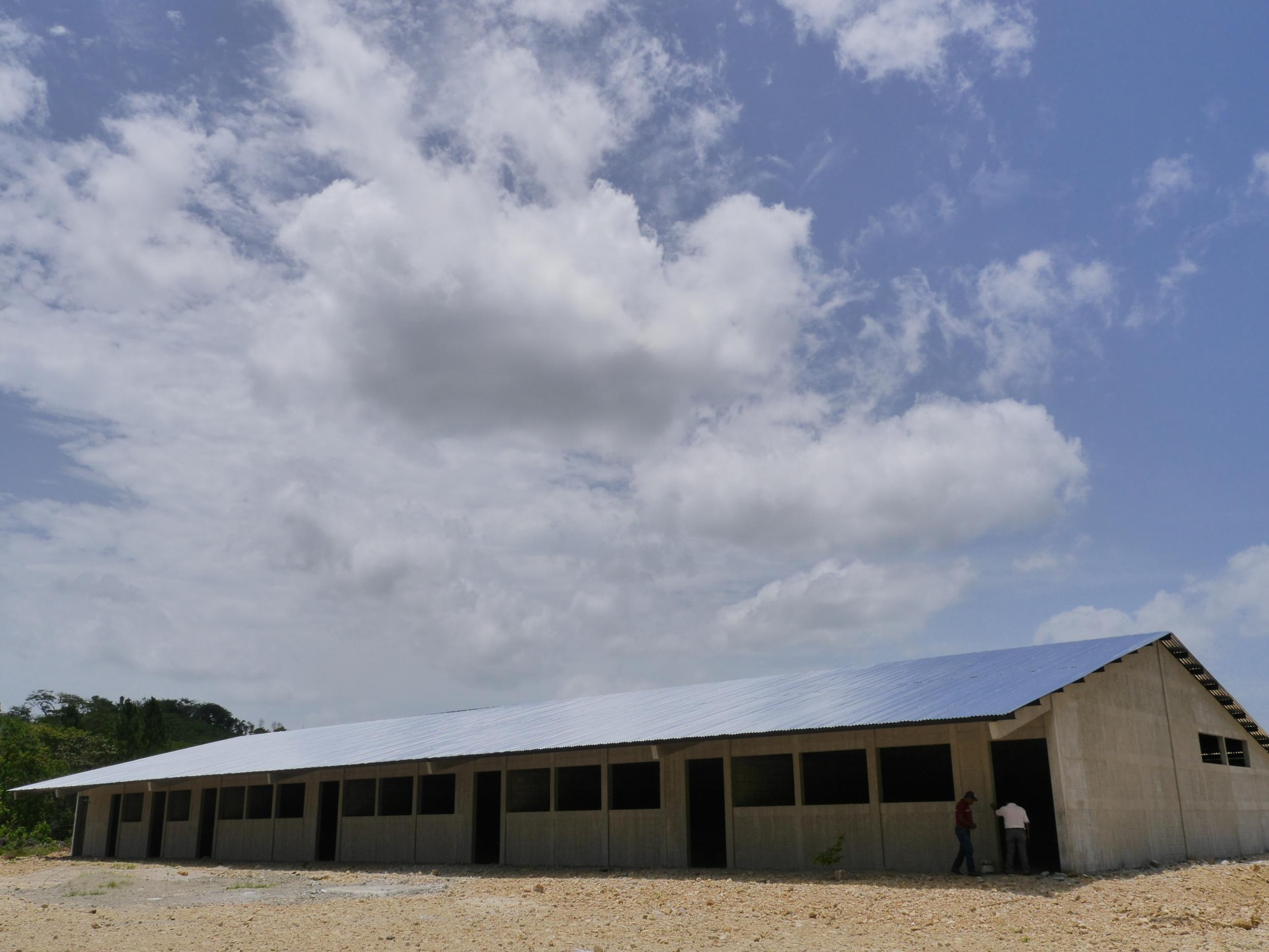 La escuela estáen construcción.