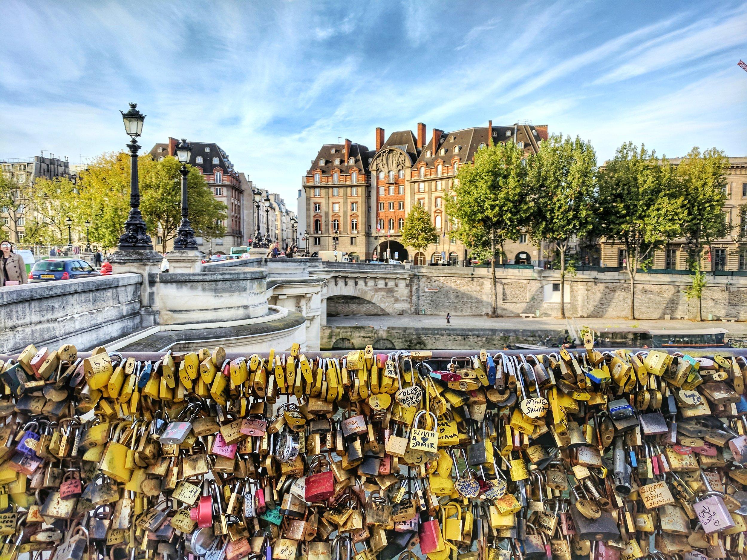 pont-neuf-love-locks.jpg