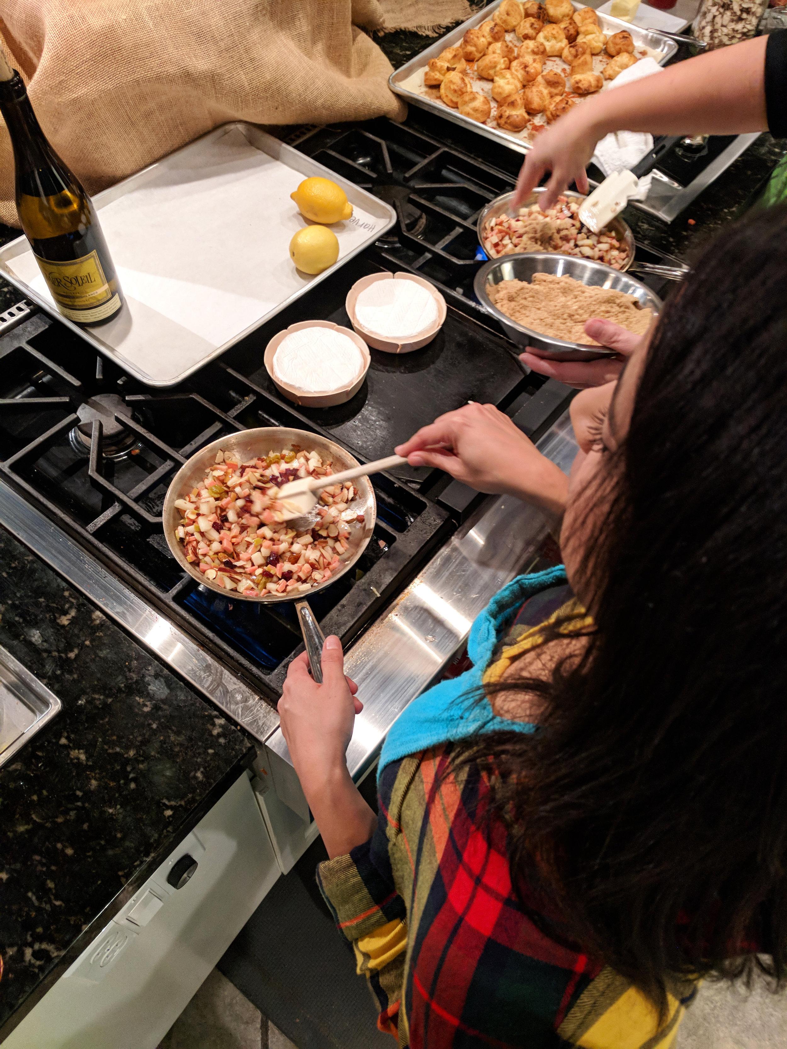 cooking-brie-toppings.jpg
