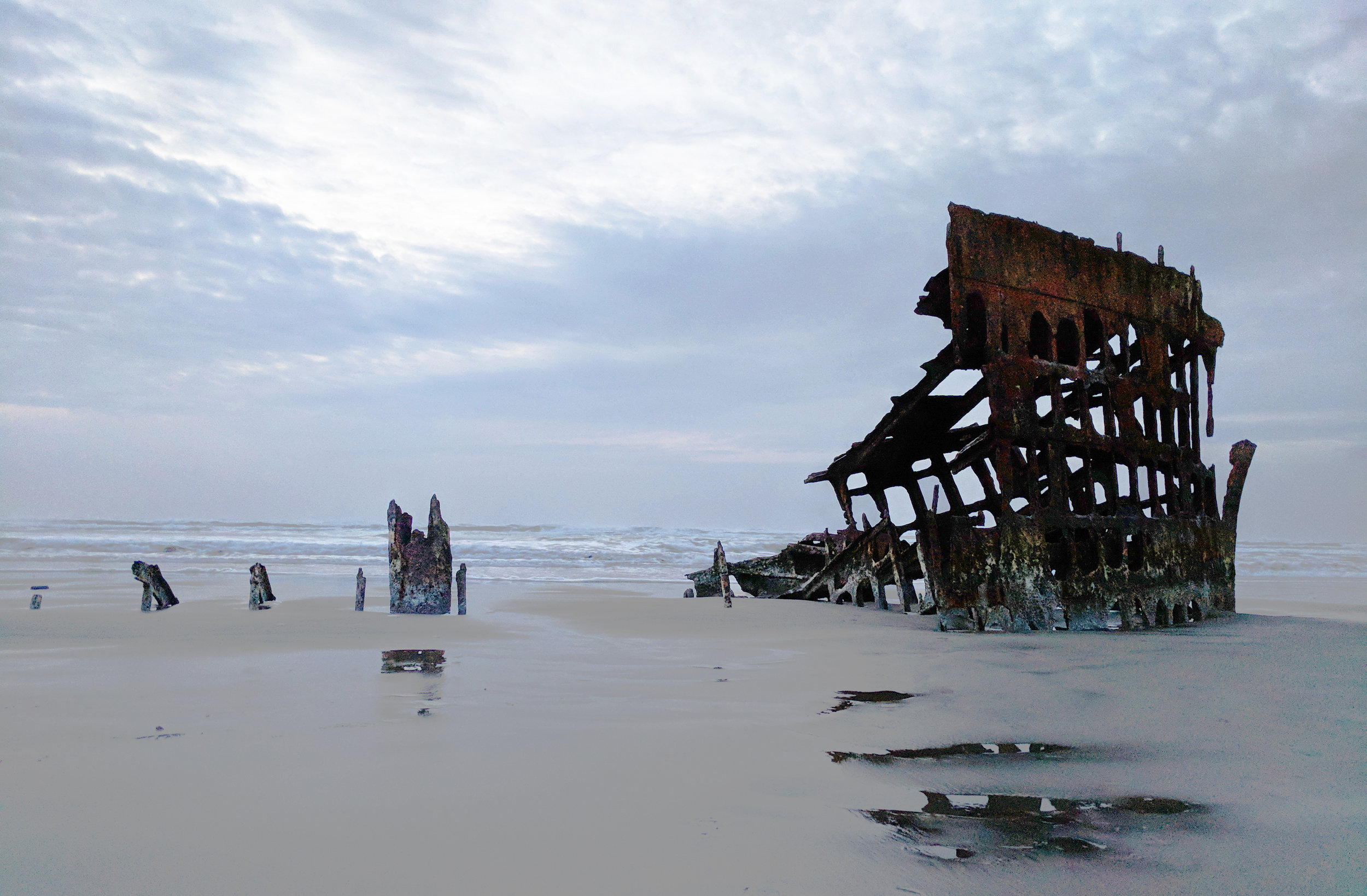 Peter-Iredale-Shipwreck.jpg