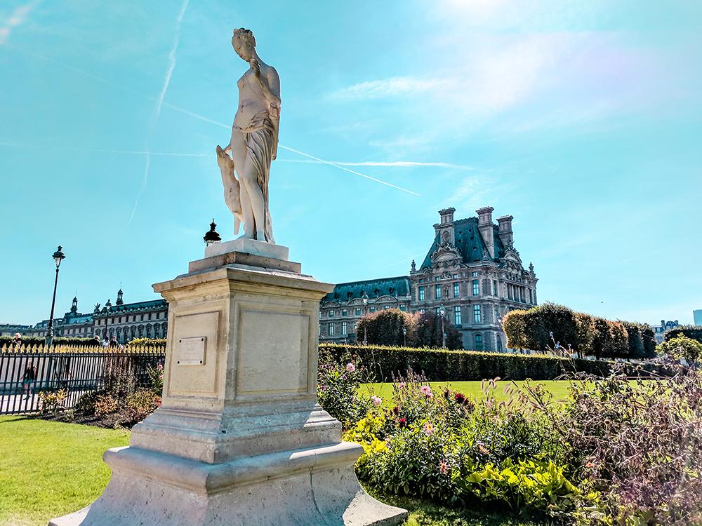 jardin-des-tuleries-statue.jpg
