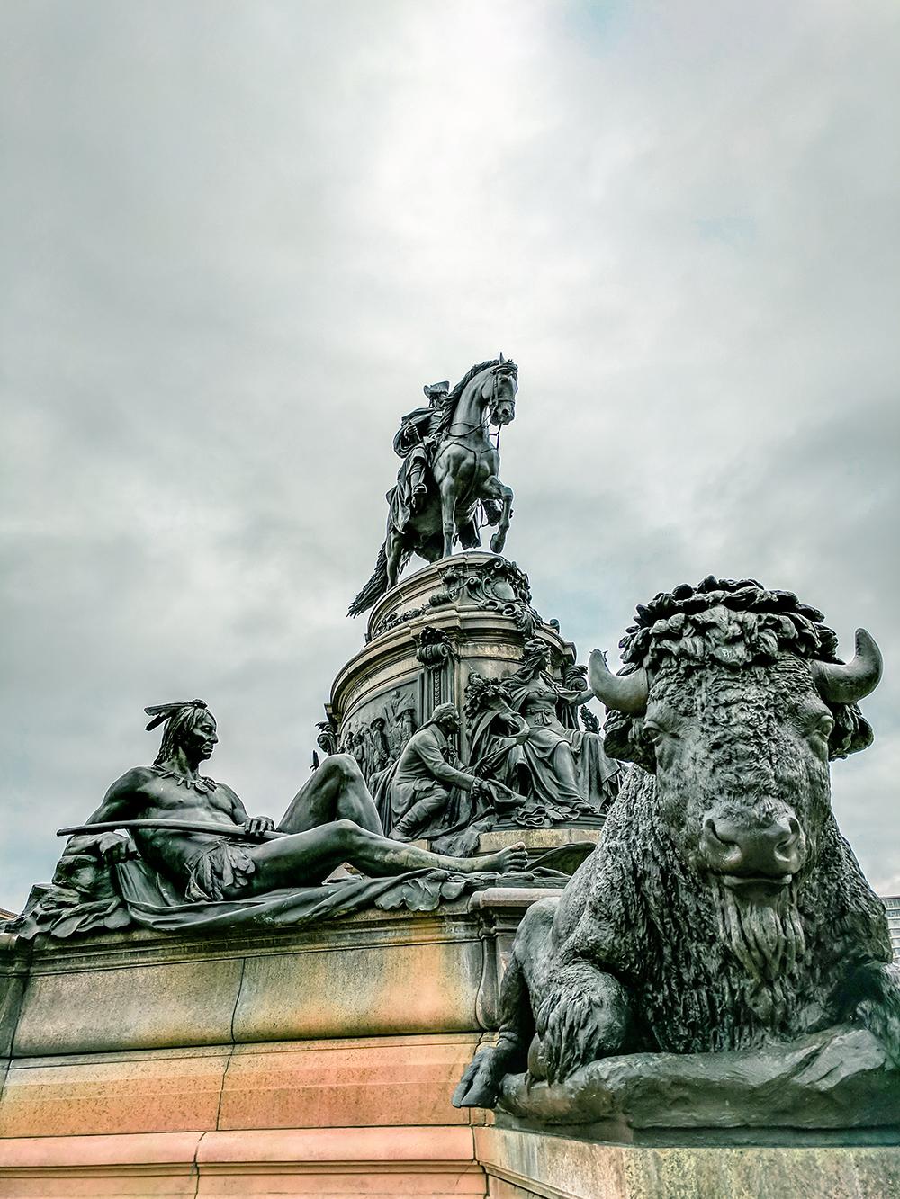 fountain-statues.jpg