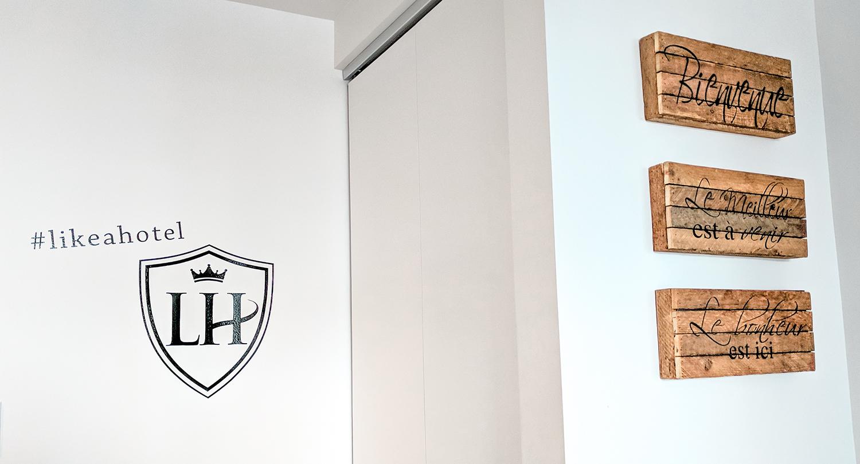 LAH-Towers-signs.jpg