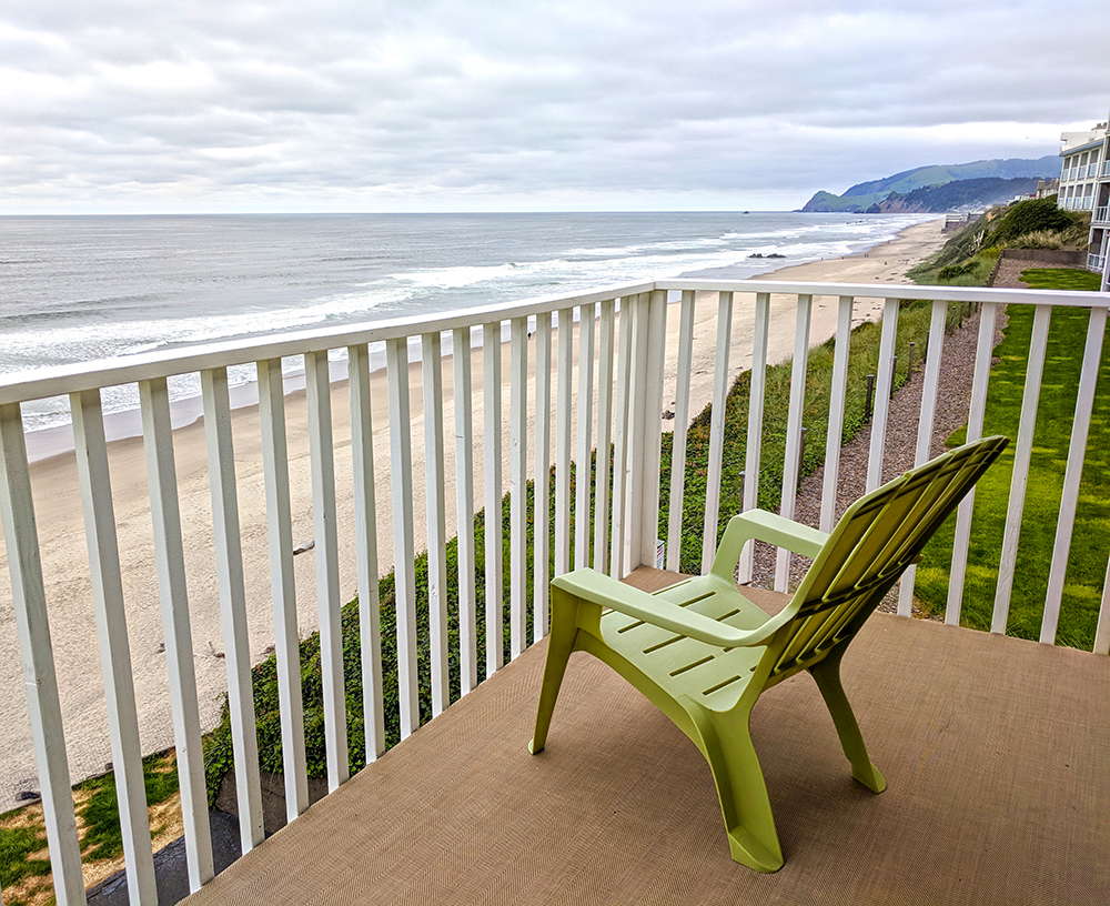 Coho-Oceanfront-Lodge-room-balcony.jpg