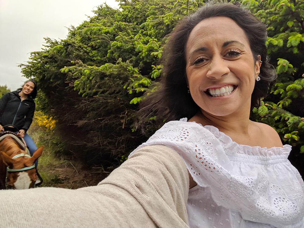 horse-ride-sister-selfie.jpg