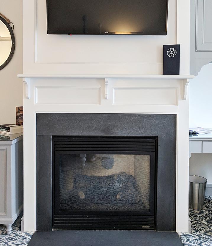 The-Whalers-Inn-room-fireplace.jpg
