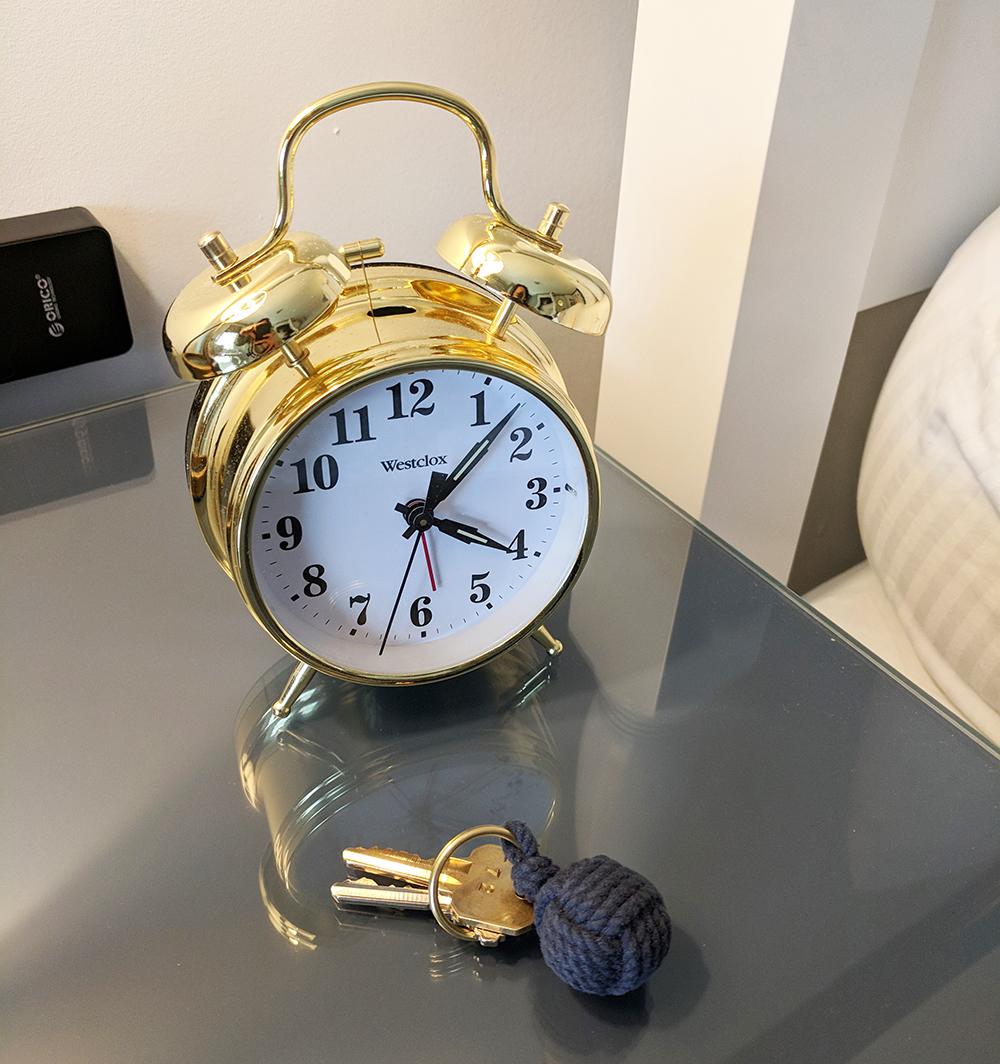 The-Whalers-Inn-clock