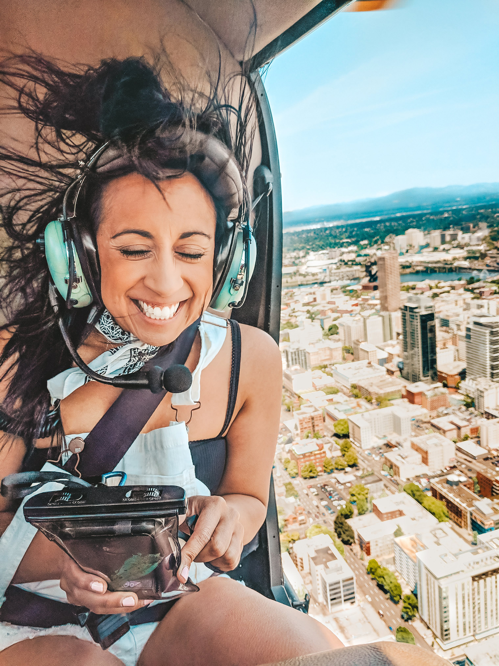 Oregon-Helicopters-smiling-ride.jpg