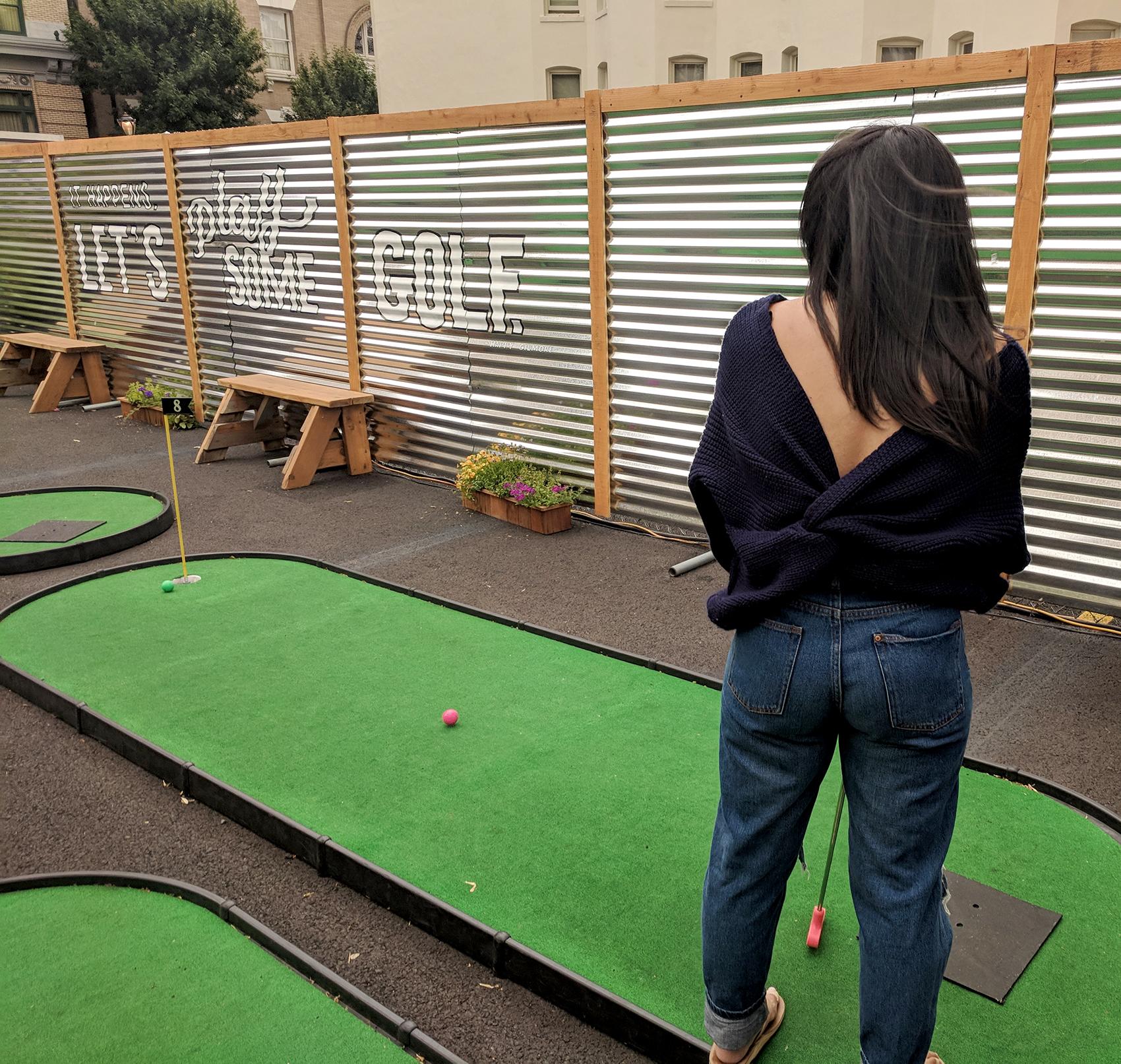 19th-Hole-golfing.jpg