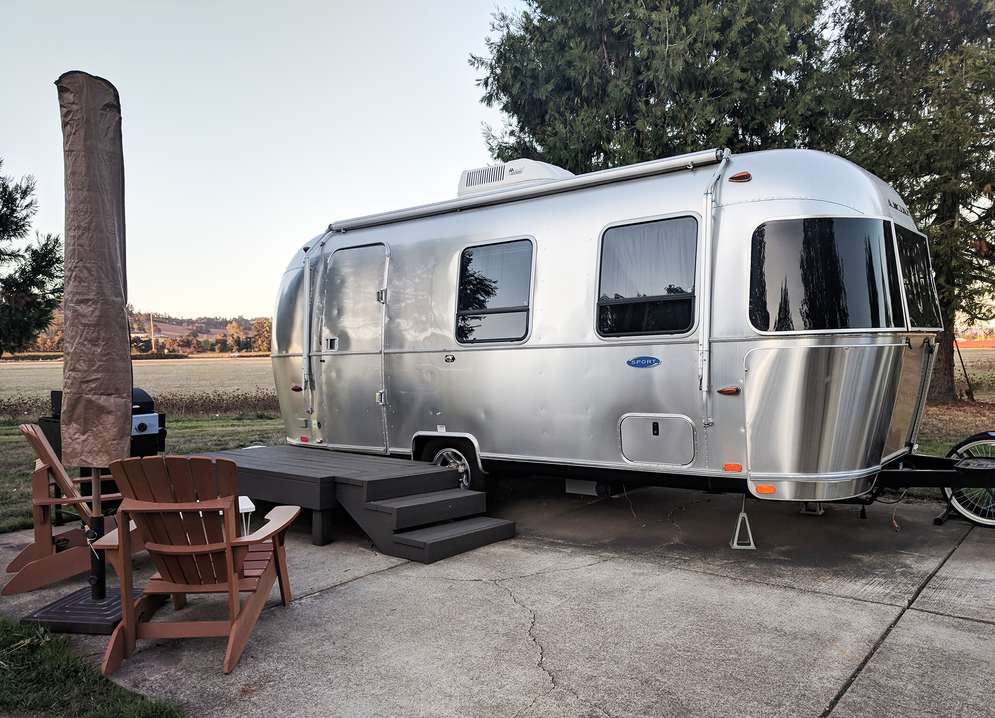 The-Vintages-Airstream-Bambi.jpg