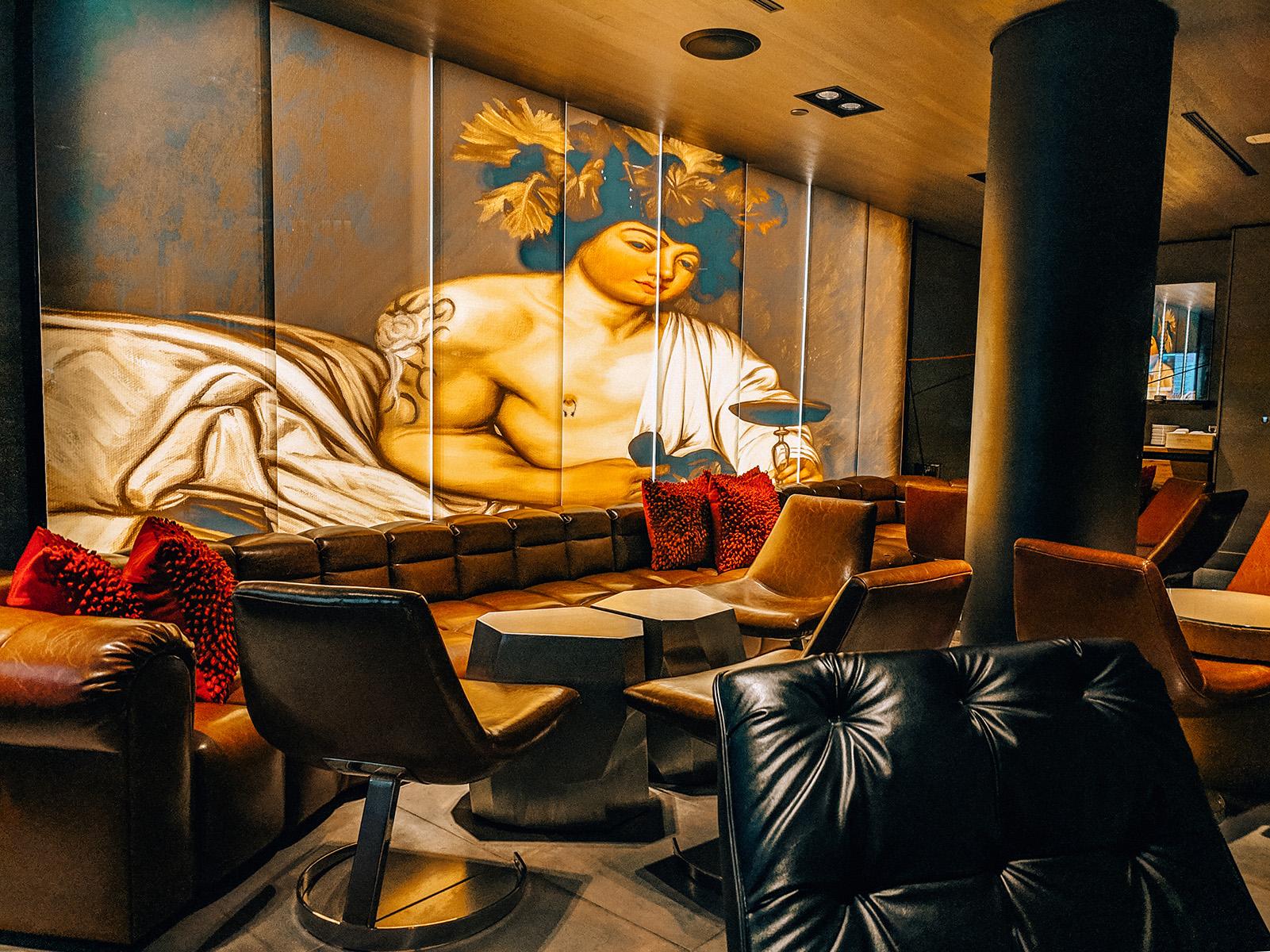 Hotel Vintage lobby lounge