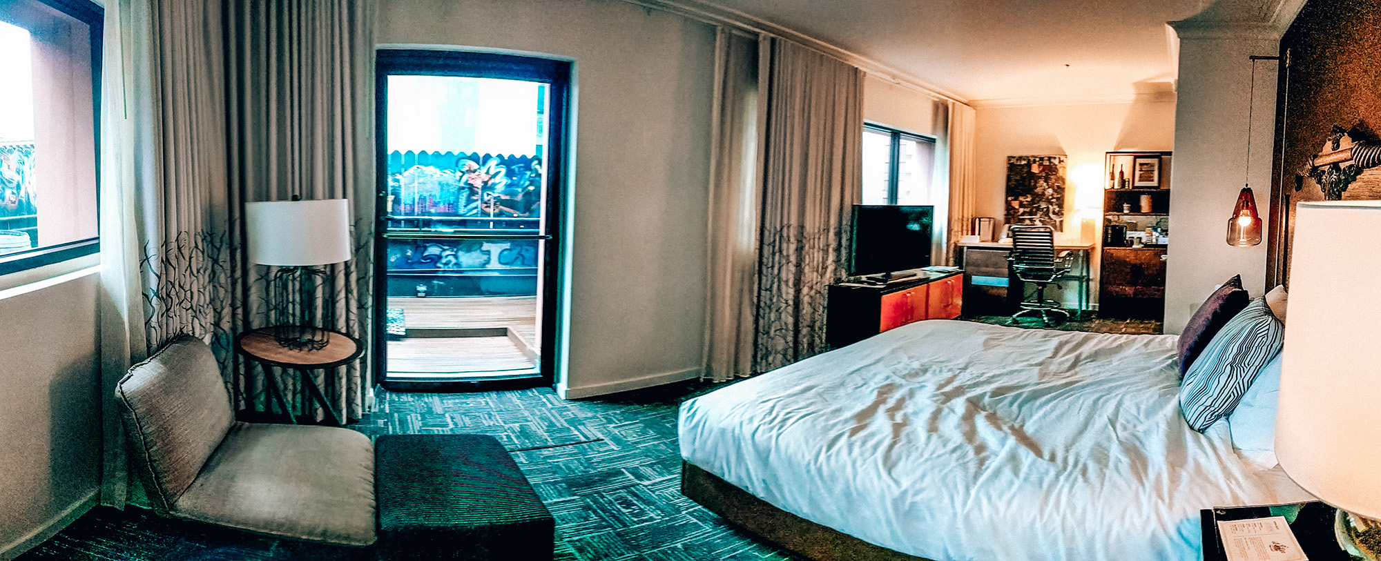 Hotel Vintage room pano