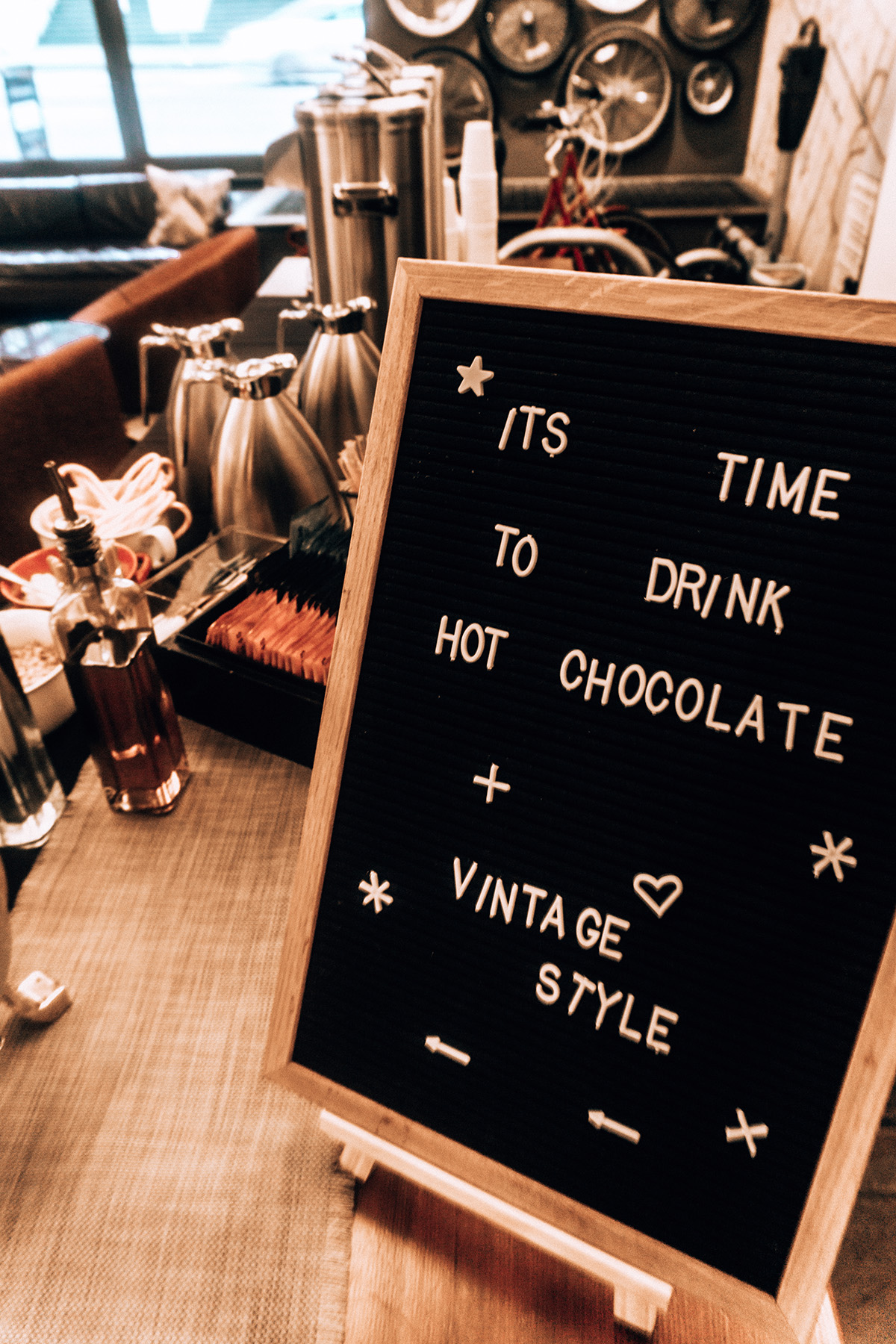 Hotel Vintage hot cocoa sign
