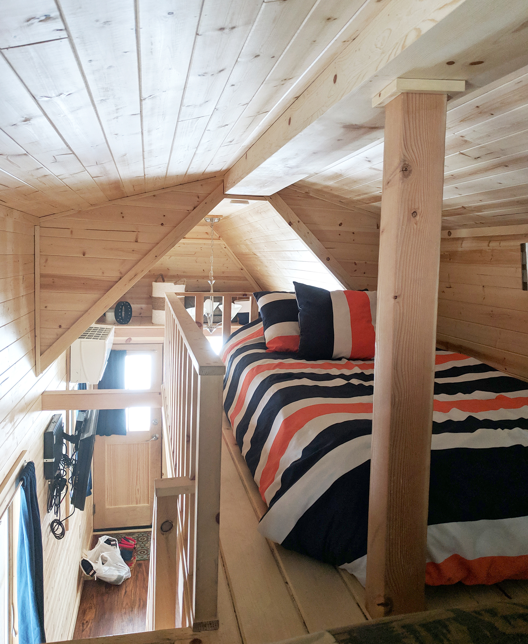 Otto tiny home twin bed