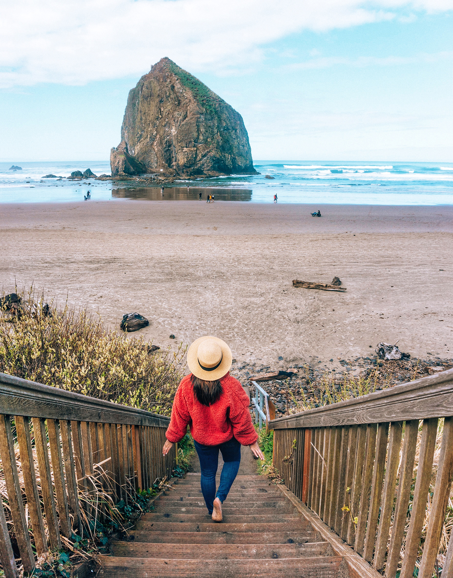 Cannon Beach Haystack Rock stairs