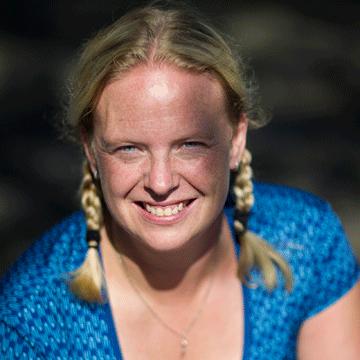 Karen-simpson-(Photo).png