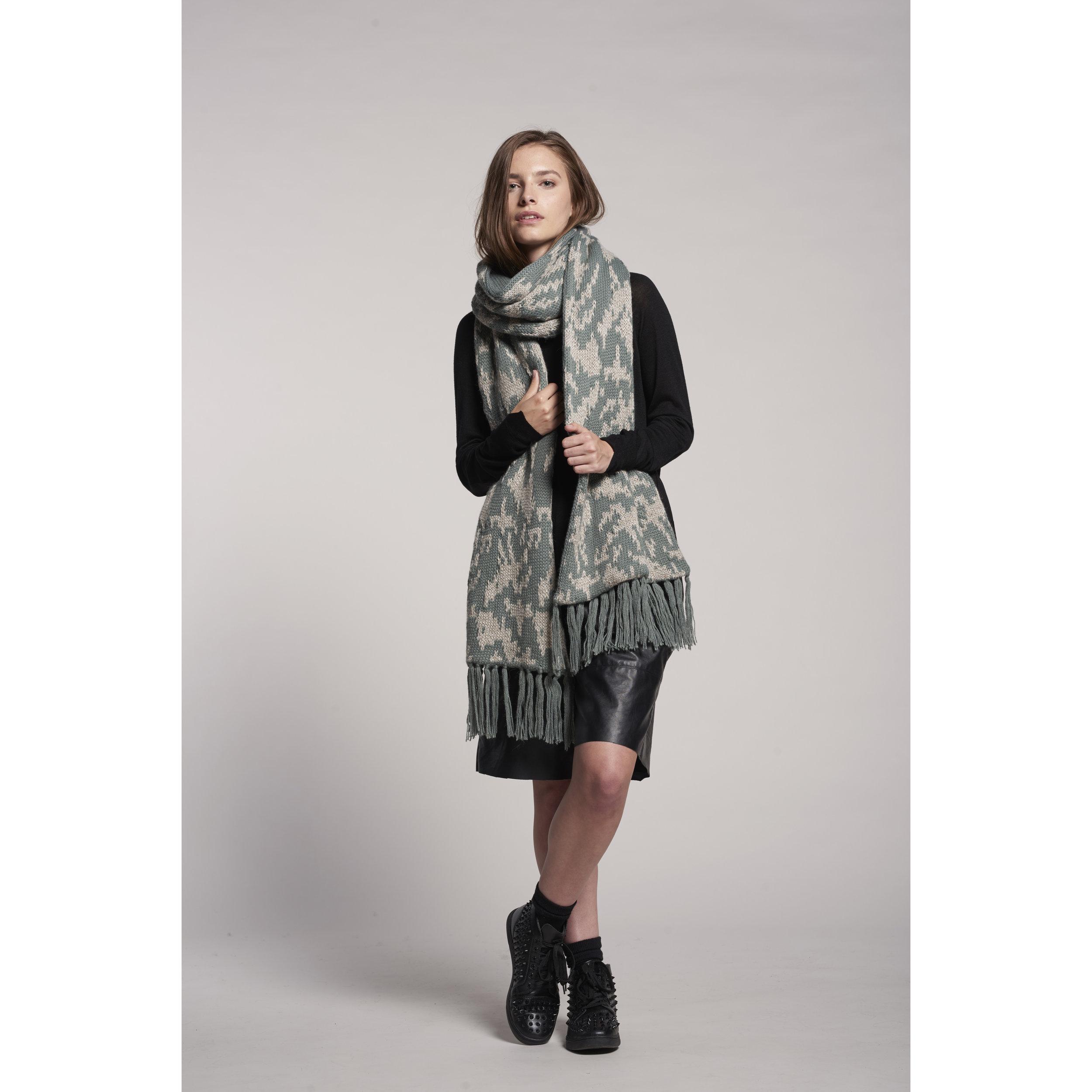 DeNada  - Long Scarf - Chic, versatile, and functional - beautifully handmade with soft alpaca fibers.